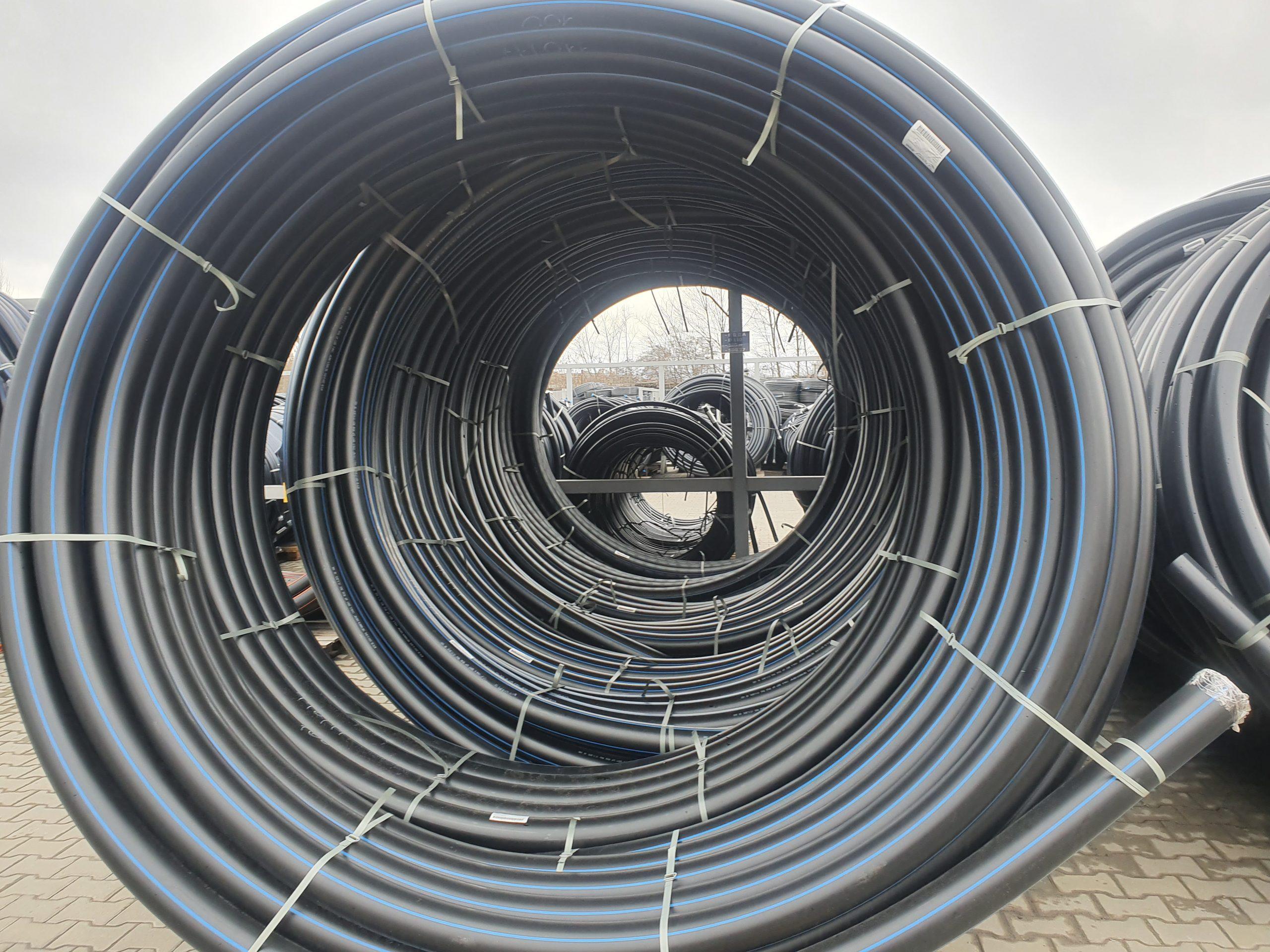 Поліетиленова труба для водопостачання